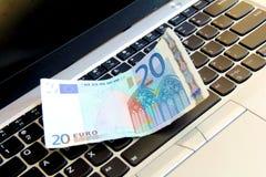Europeiska e-affär pengar arkivfoto