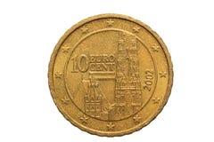 Europeiskt mynt med ett nominellt värde av tio eurocent som isoleras på vit bakgrund Makrobild av europeiska mynt Fotografering för Bildbyråer
