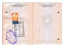 Europeiskt pass med egyptiska stämplar royaltyfri foto