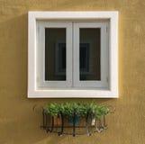 europeiskt stilfönster arkivbilder
