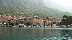 europejczycy Chorwacja Widok miasteczko Makarska od dennego letniego dnia zbiory