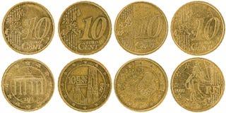 Europejczyk 10 centów monet stać na czele odosobnionego na białym backgr i popiera Fotografia Royalty Free