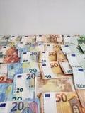 europejscy banknoty różni wyznania i biały tło obrazy stock