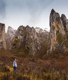Europejscy turyści w mountainuos Tybet obraz stock