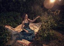 Europejska moda modela zieleni suknia obraz stock