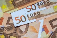 Europengarsedlar och kassa euro 50 royaltyfri fotografi