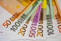 Europengarsedlar och kassa 50 100 200 euro 500 fotografering för bildbyråer