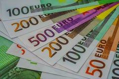 Europengarsedlar och kassa 50 100 200 euro 500 arkivbilder