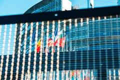 Europeo Parlaiment y todas las banderas de países europeos Fotografía de archivo libre de regalías