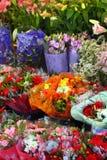 Europese bloemwinkel stock afbeeldingen