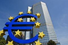 Europese Centrale Bank met Euro teken, Frankfurt royalty-vrije stock fotografie