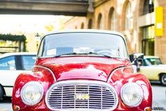 Europese klassieke auto's - oude tijdopnemer Audi op de straat stock foto's