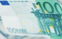 Europese muntachtergrond, Euro rekening 100 Stock Afbeeldingen