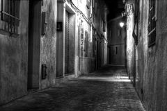 Europese Straat bij Nacht Stock Fotografie