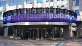 Europese Unie het Parlement bureau in Brussel stock footage