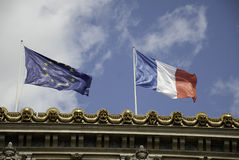 Europese Unie vlag en de Franse vlag Stock Foto's
