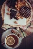 Europese wafels met chocolade stock fotografie