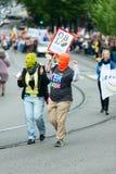 Europride 2014Couple sur le défilé dans le montant de l'émeute de chat Photographie stock