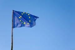 Europy flagę niebieskie niebo Obraz Stock