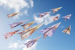 Eurorechnungs-Papierflugzeuge Lizenzfreies Stockfoto