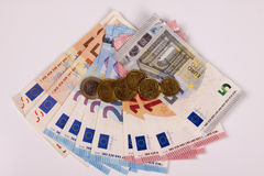 Euros auf einem weißen Hintergrund Stockbilder