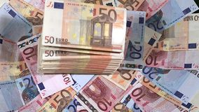 Euros Bills Falling stock videobeelden
