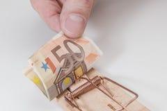 50 Euros in der Mausefalle Lizenzfreie Stockfotografie