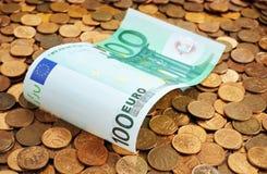 Euros sur des pièces de monnaie Photo libre de droits