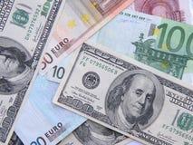 Euros y dólares Imagenes de archivo