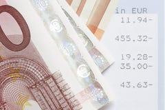 Euros y declaraciones de cuenta Fotos de archivo libres de regalías