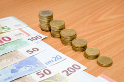 Eurosedel och mynt Royaltyfri Foto