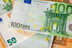 Eurosedelbakgrund fotografering för bildbyråer