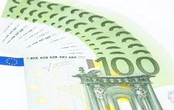 Eurosedlar av närbilden 100s Fotografering för Bildbyråer