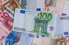 Eurosedlar från den första serien av olika valörer royaltyfri fotografi
