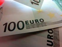 Eurosedlar i olika vinklar arkivbild