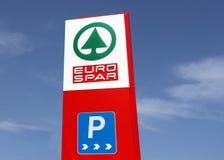 Eurospar logo na totemu podpisuje wewnątrz ostatnio rozpieczętowanego detalicznego miejsce Ja jest częścią dźwigaru holendera wie fotografia royalty free