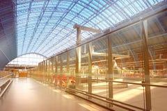 Eurostar terminal på den arga St Pancras för konungar stationen i London Royaltyfri Fotografi