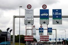 Eurotunnelzuggewohnheiten Stockfotografie