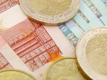 Eurovalutasedlar och mynt Arkivbilder