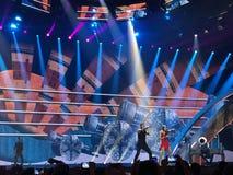 Eurovision i Ukraina, Kyiv 05 13 2017 ledare Den Eurovision finaldagen Ilinca ft Alex Florea från Rumänien Royaltyfri Bild