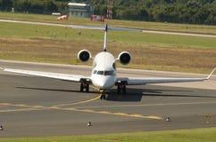 Eurowings投炸弹者CRJ900 -驾驶舱 库存图片