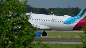 Eurowings för flygbuss 320 landning lager videofilmer