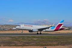 Eurowings passagerare Jet Touches ner royaltyfri bild