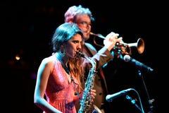 Eva Fernandez Group (jazzband) utför på den Luz de Gas klubban Royaltyfri Fotografi