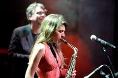 Eva Fernandez Group (jazzband) utför på den Luz de Gas klubban Royaltyfri Foto