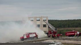 Evacuatie tijdens een brand stock footage