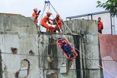 Evacuatie van slachtoffers door Nationale Redding royalty-vrije stock fotografie