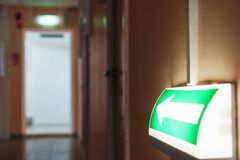 Free Evacuation Arrow With Illumination From The Building To The Room, Guiding To The Exit Stock Photo - 213749500