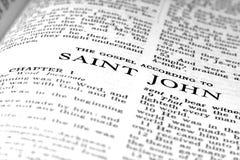 Evangelio de la cita de la escritura del nuevo testamento de St John Imagenes de archivo