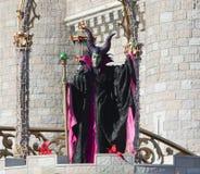 Evanora la bruja en etapa en el mundo Orlando Florida de Disney Imagenes de archivo